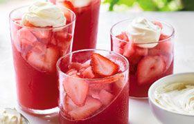 Strawberry jelly and cream with Codorníu Rosado Brut NV