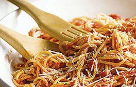 Classic Spaghetti with Cerro del Masso Poggiotondo Chianti
