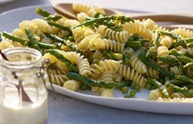 pasta salad with Yalumba Organic Shiraz