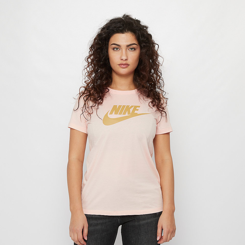 NIKE NSW Tee Essential Icon Futura washed coral/club gold