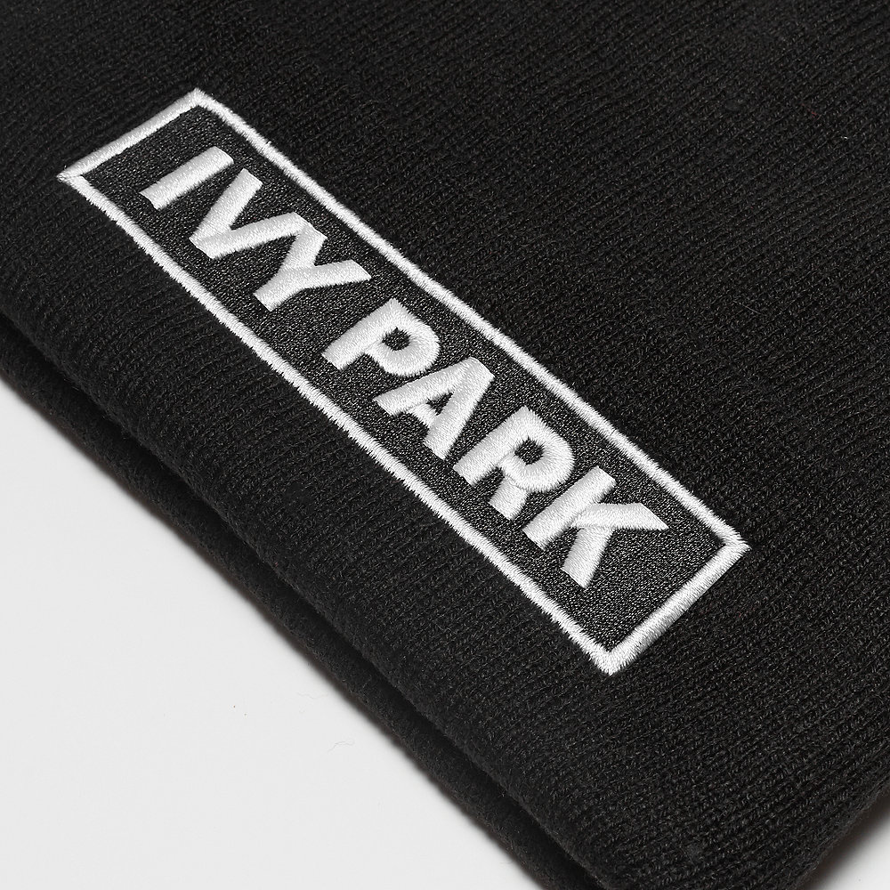 IVY PARK Badge Logo Beanie black