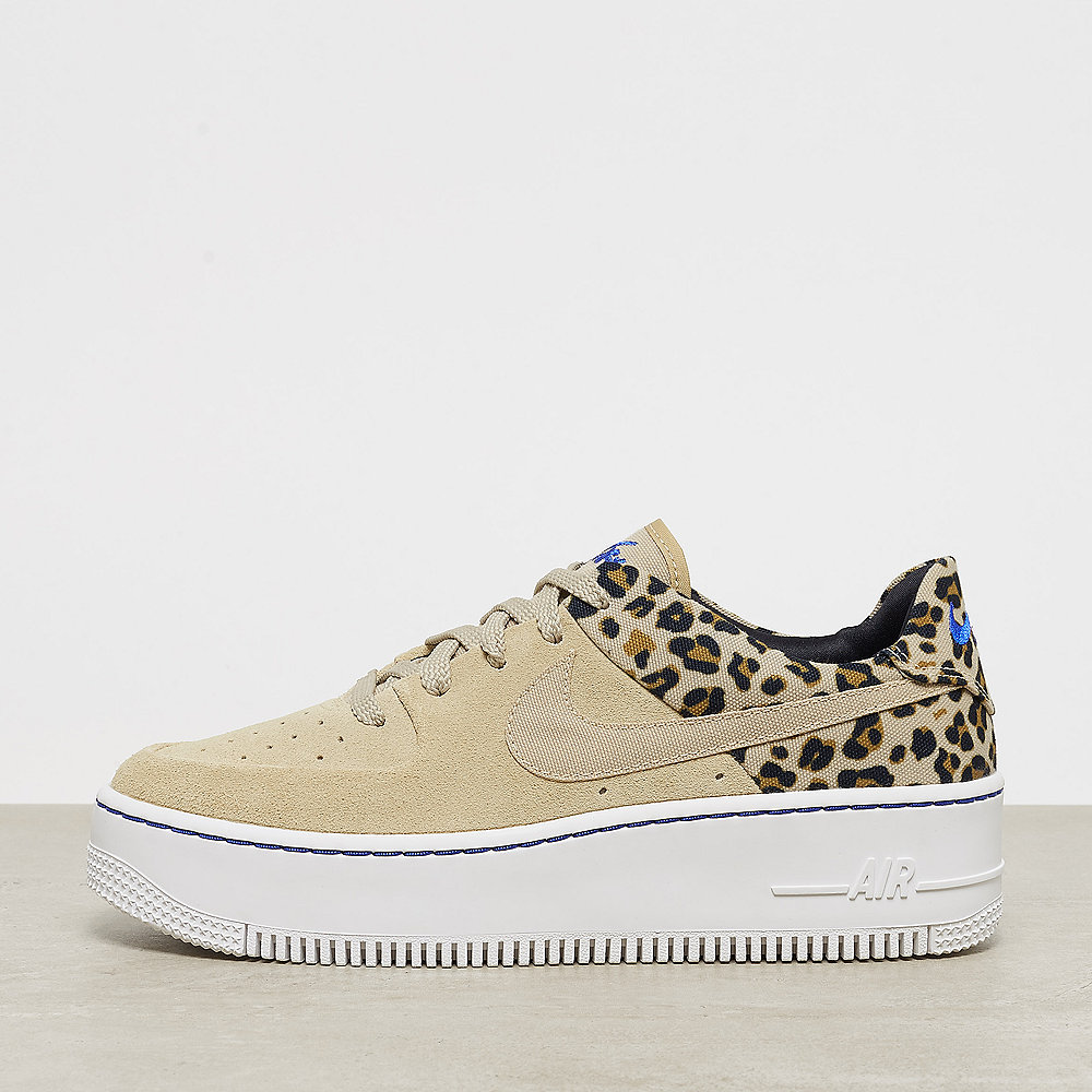 NIKE Air Force 1 Sage Low desert ore/racer blue-blk-wheat