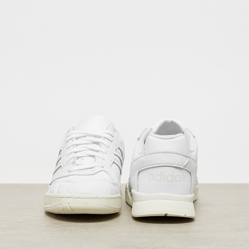 adidas A.R Trainer white/raw white/off white