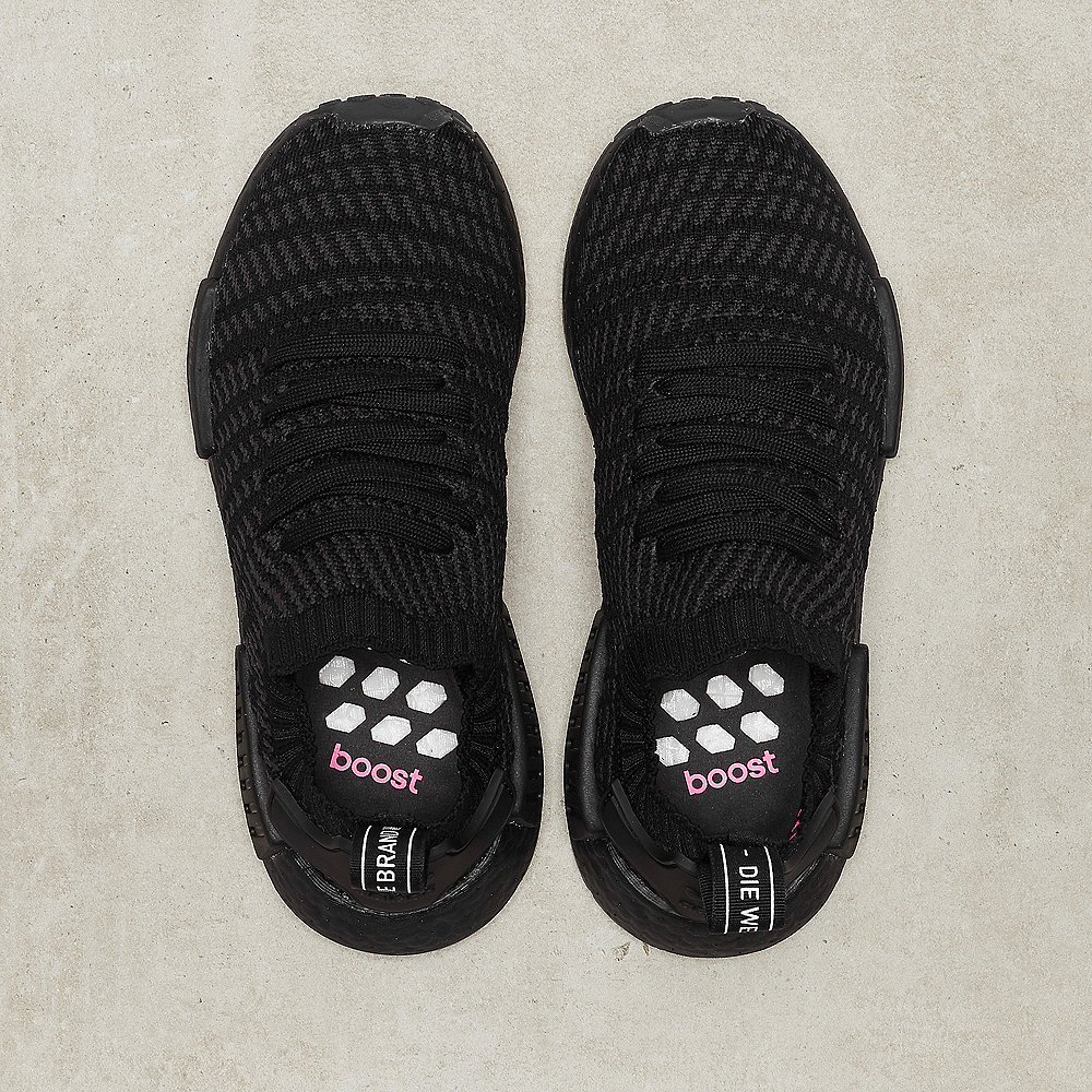 adidas NMD R1 STLT core black/utility black/solar pink