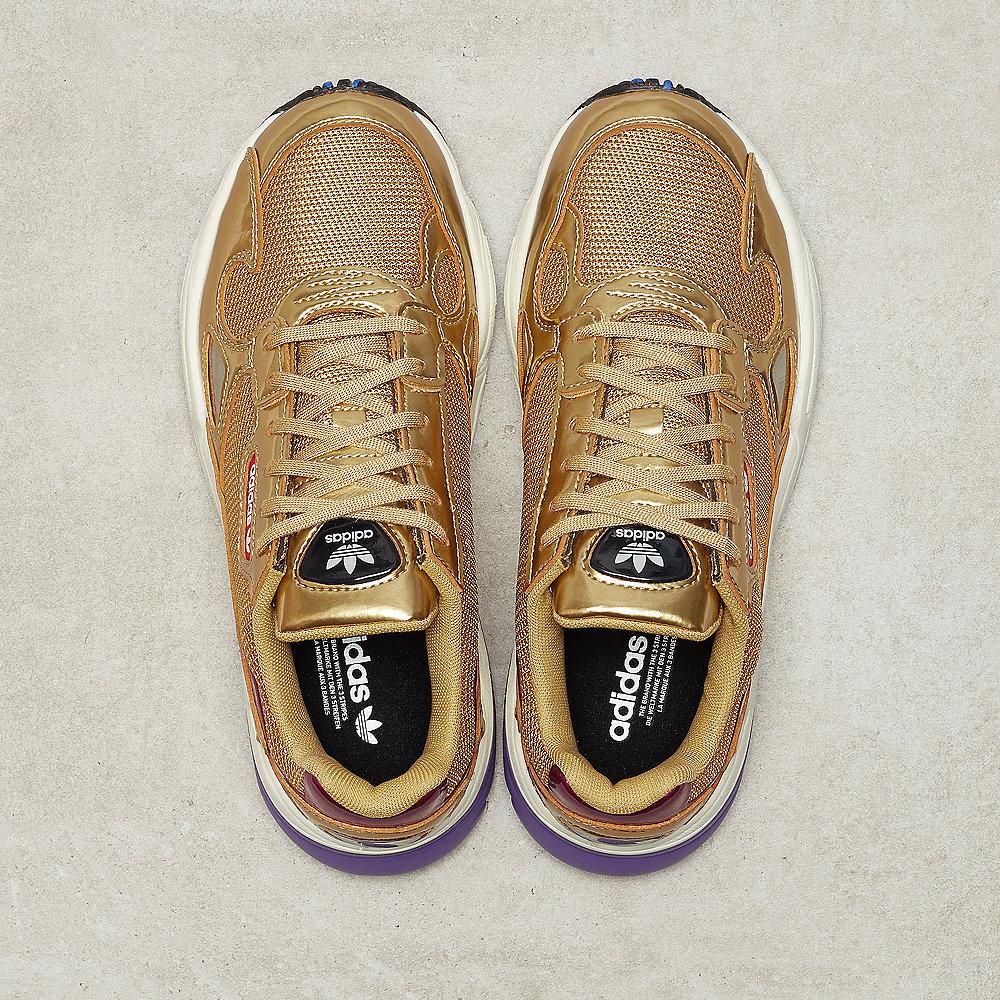 sale retailer 70916 b8ce3 adidas Falcon W gold metgold met off white