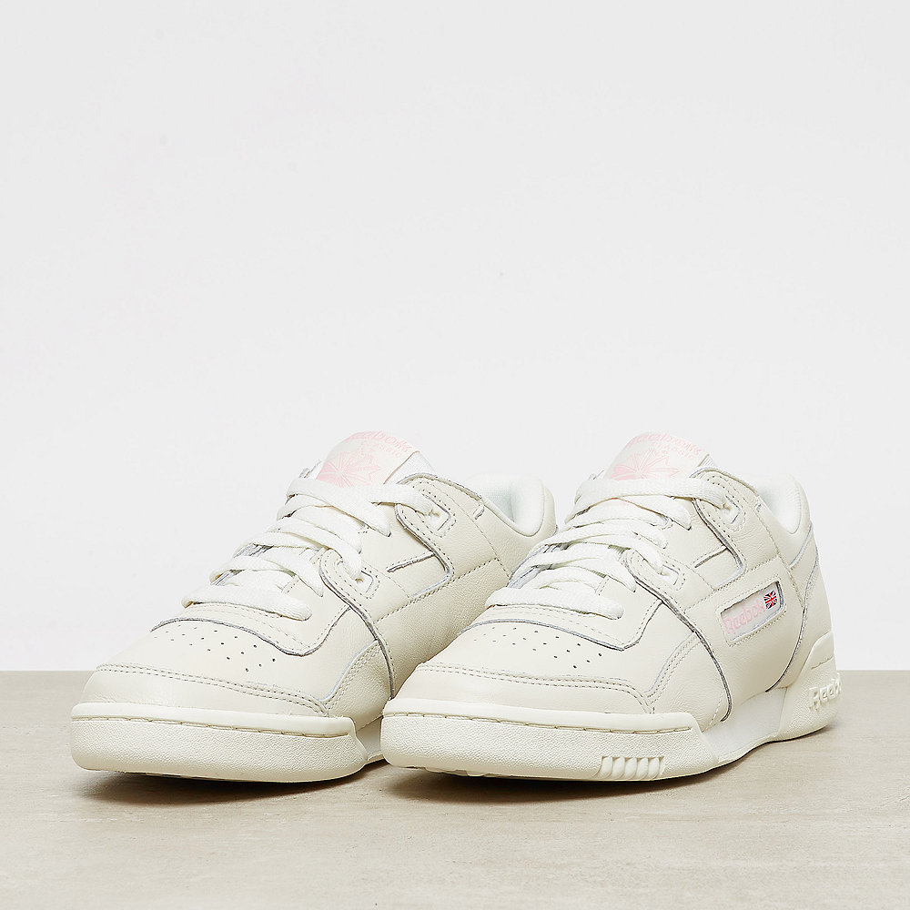 5ccba033f28c Reebok Workout Lo Plus vintage-white practical pink