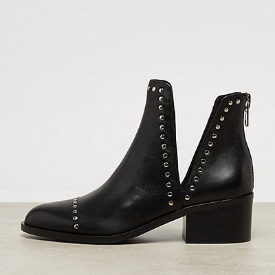 Steve Madden Conspire black leather