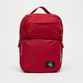 Calvin Klein CK Pilot Twill Square Backpack 30 scarlett