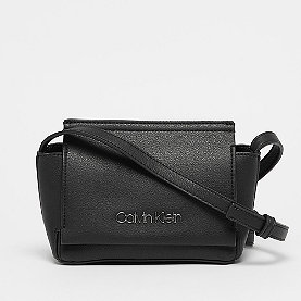 Calvin Klein Stitch Flap Crossbody black
