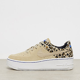 NIKE Air Force 1 Sage Low desert ore racer blue-blk-wheat 8e9e08ad26