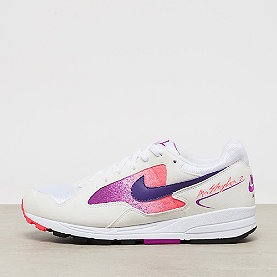 NIKE Air Skylon II white/court purple-solar red