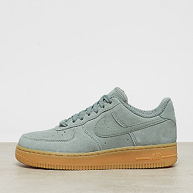 NIKE Wmns Air Force 1 '07 SE mica green/mica green-gum light brow