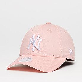 New Era 9FORTY NY Yankees League Essential pink lemonade