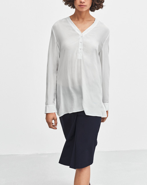 V-neck Popover Blouse Air