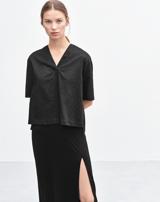 Ria V-Neck Shirt Black