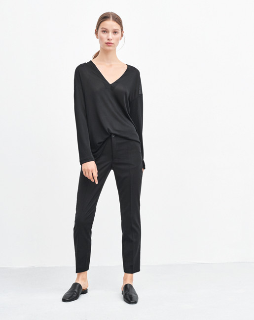 Deep V-neck Jersey Top Black