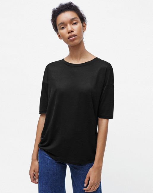 Elbow Sleeve Swing Top Black