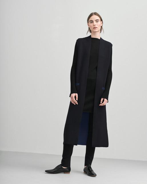 Bonded Knit Vest Black/Grape