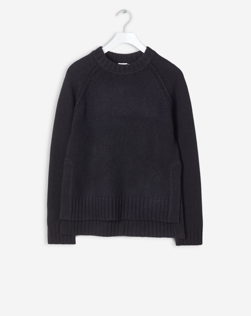 Slit R-Neck Pullover Black