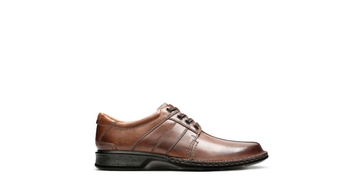 Touareg Vibe Brown Leather - Men's Oxford Shoes - Clarks® Shoes Official  Site | Clarks