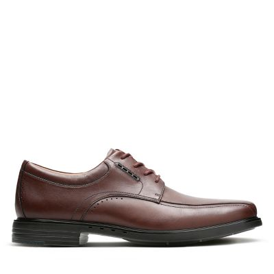 088172fcced37 Mens Wide Shoes - Clarks Official Site