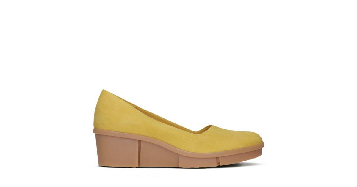 Pola Mae Yellow Nubuck Clarks
