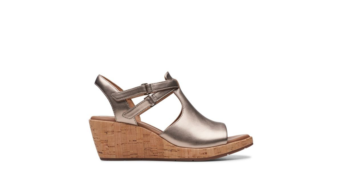 ae48f6db1b50 Un Plaza Way Gold Metallic - Womens Heels - Clarks® Shoes Official Site