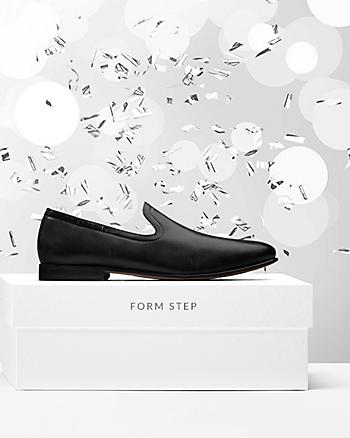 Form Step Black Leather