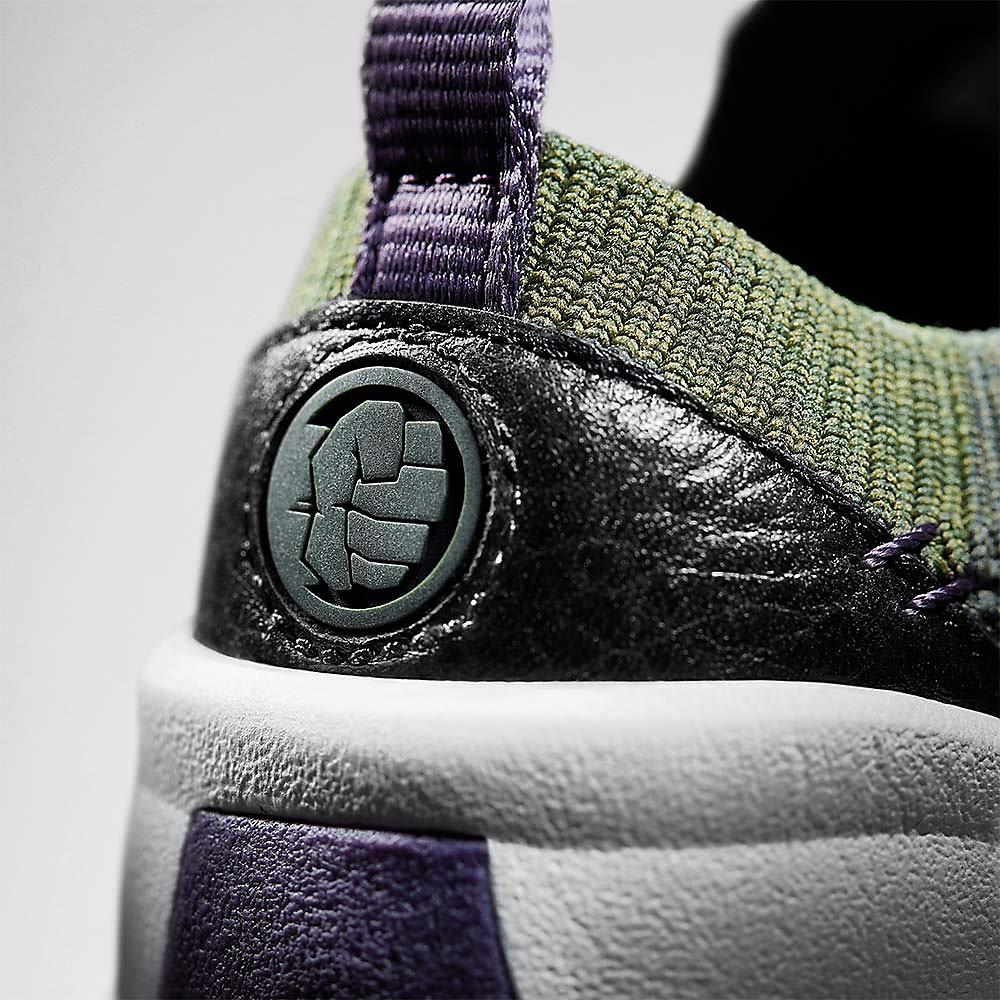 Nahaufnahme des Logos von Hulk Schuhen, Tri Hero