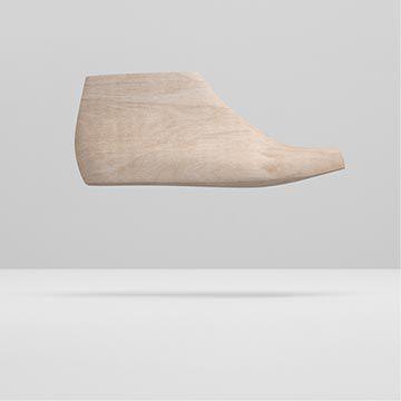 Vue latérale d'une forme à monter en bois