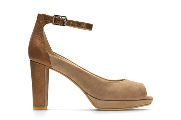 Kendra Ella, peep-toe pumps in Taupe