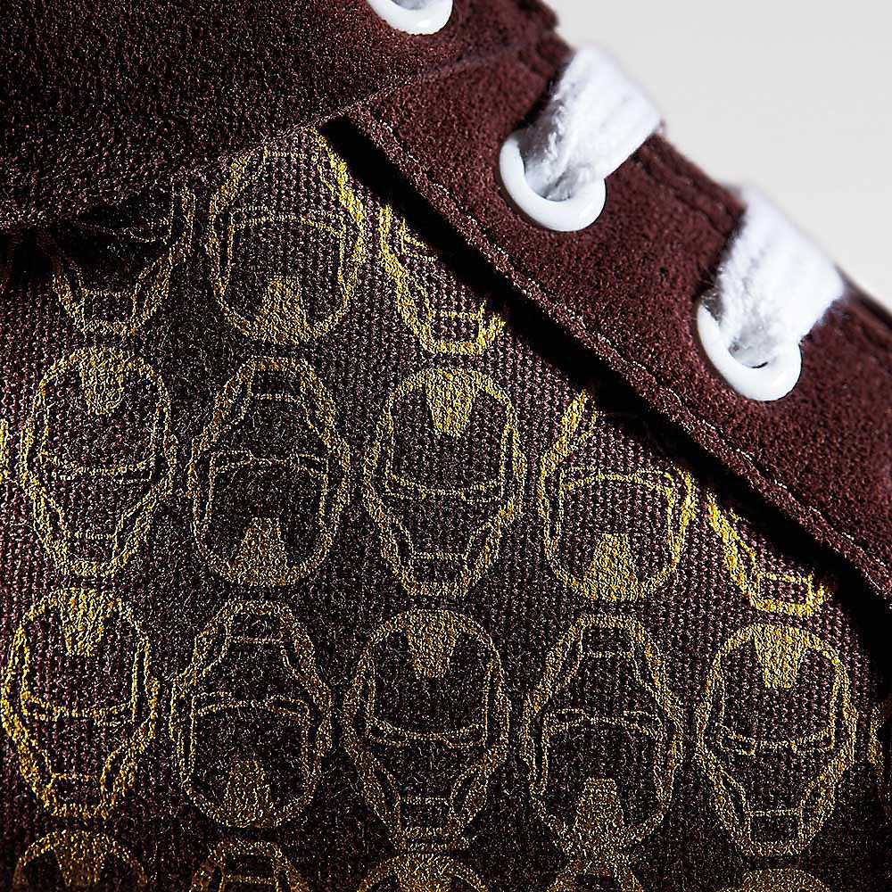 Schnürsenkel-Nahaufnahme von Iron ManSneakern, City Hero Hi