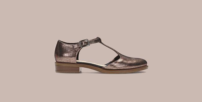 Womens flat shoes
