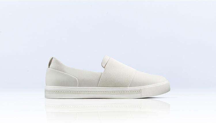 un maui step in white leather