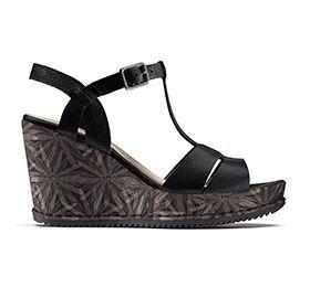 Adesha River, sandales compensées en cuir noir