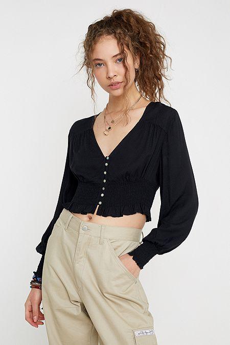 Crop Tops für Damen | Bauchfreie T Shirts | Urban Outfitters DE