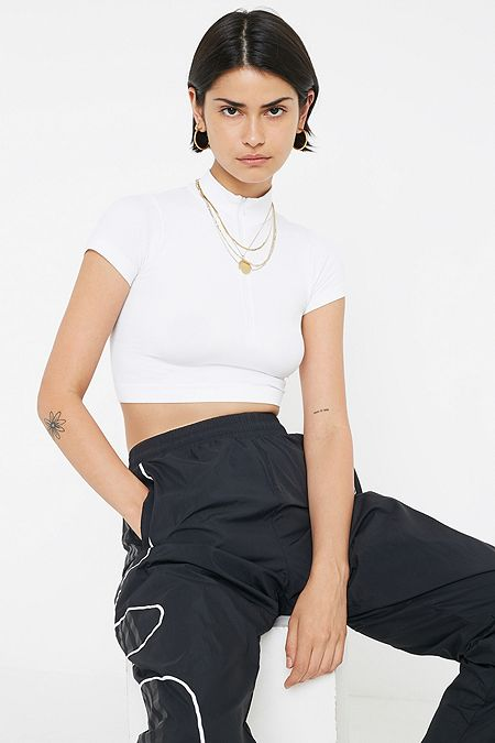 b1f7e3fb4 Women's Crop Tops | Cropped T-Shirts | Urban Outfitters UK
