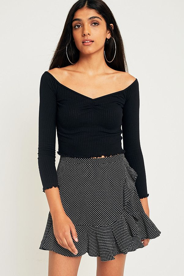 98d6441350f UO Bardot Sweetheart Off-the-Shoulder Ribbed Top | Urban Outfitters UK