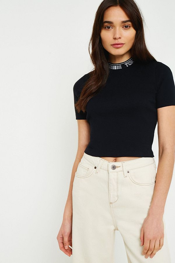 69adaf6c8e3 UO Tokyo Tipped Mock Neck Crop Top | Urban Outfitters UK