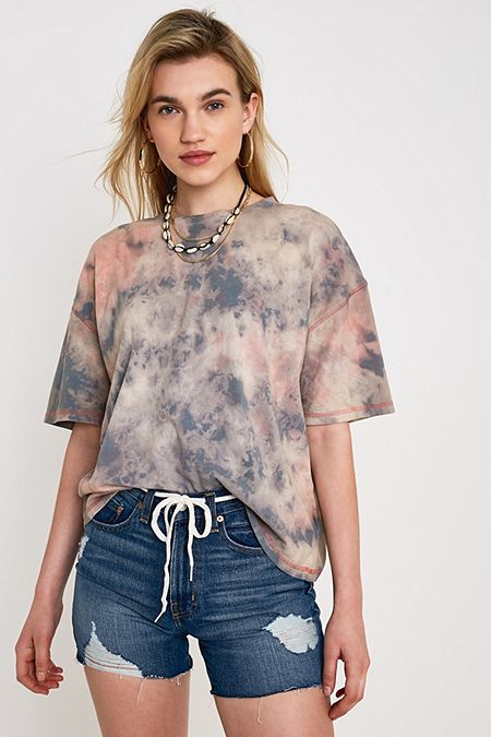2a855bede90d8 UO Boston Oversized Washed Tie-Dye T-Shirt