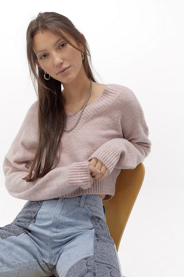 uo---pull-smooch-col-en-v by urban-outfitters