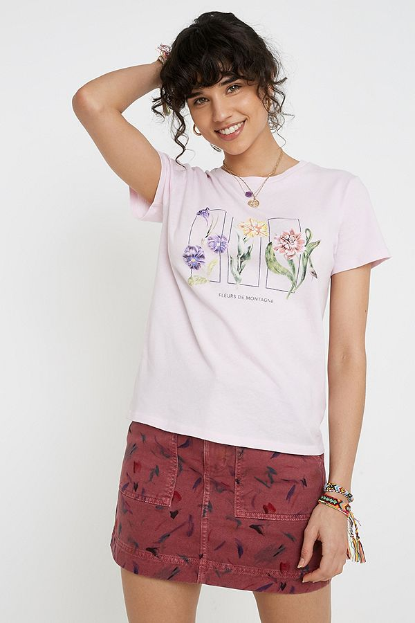 "Urban Outfitters – T Shirt ""Mountain Flowers"""