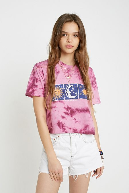 21f352095679 Women's Printed T-Shirts | Graphic Tees | Urban Outfitters UK
