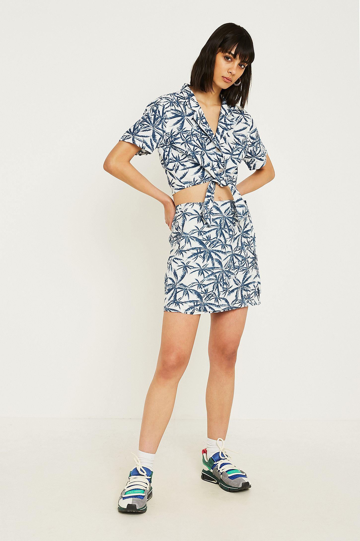 841c15a387 UO Palm Print Linen Wrap Skirt