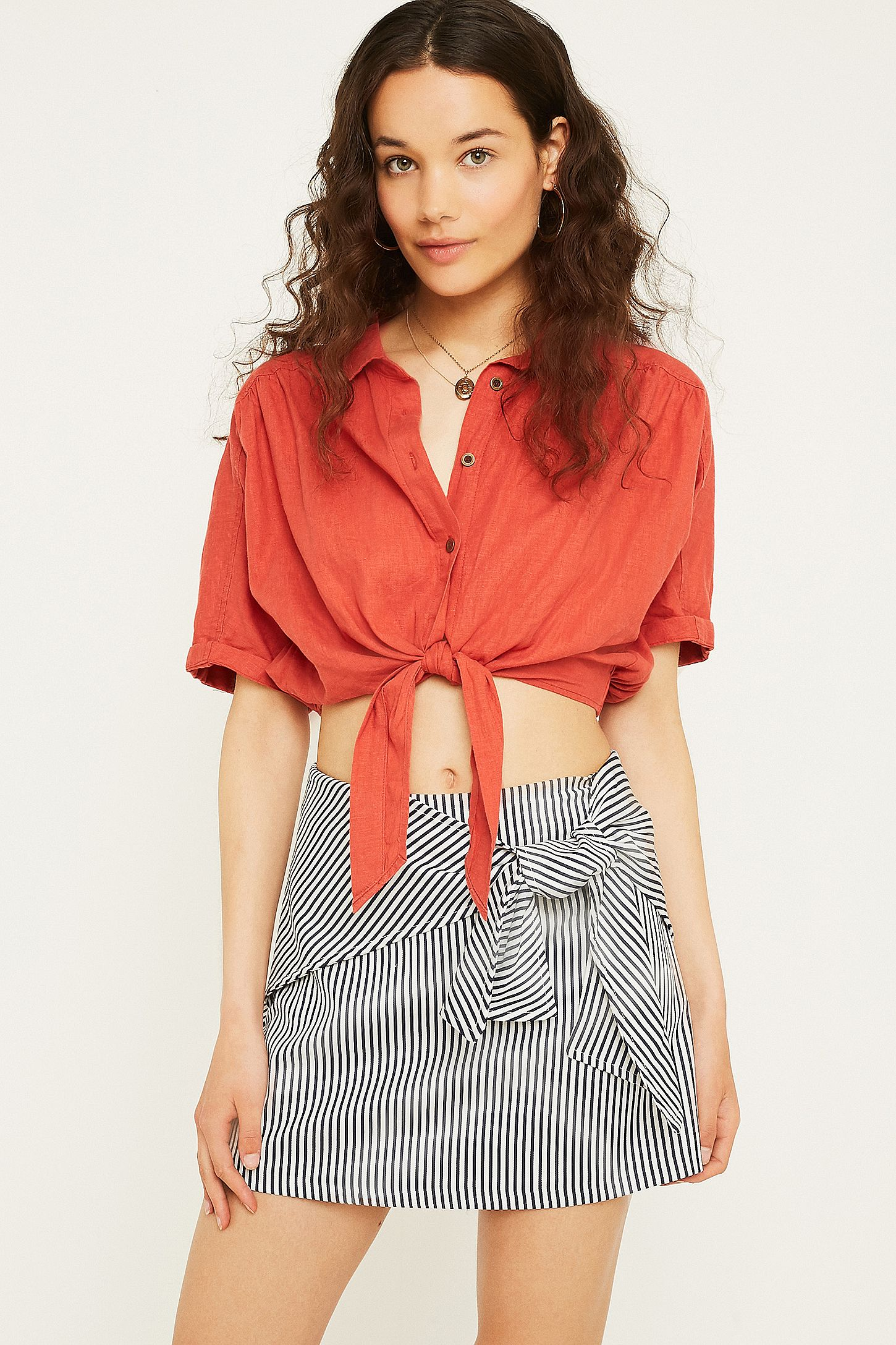 f2075908b1a0 UO Alexa Tie-Front Stripe Mini Skirt | Urban Outfitters UK