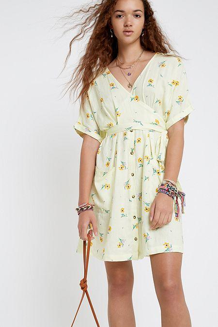 8989ecc86db0 UO Isabelle Yellow Floral Linen Midi Dress