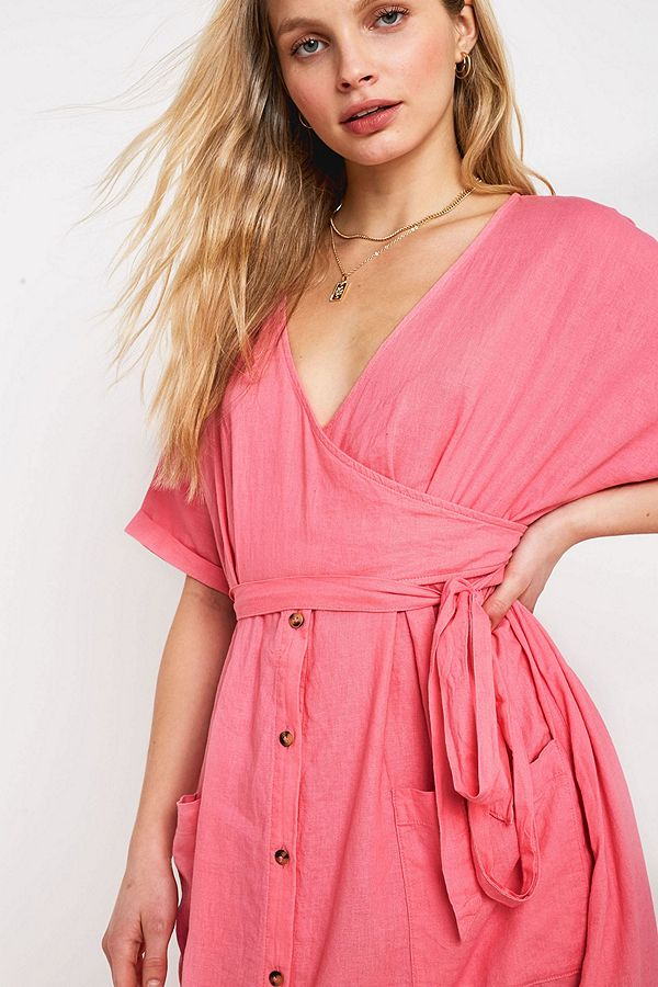 Slide View: 2: UO Isabelle Pink Linen Midi Dress