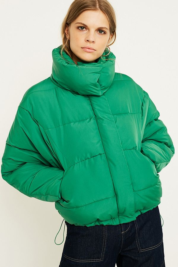 5483b75e4be0 UO Green Contrast Lined Pillow Puffer Jacket