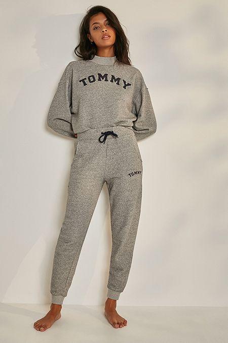 8ff7bad354 Tommy Hilfiger Logo Sweatpants