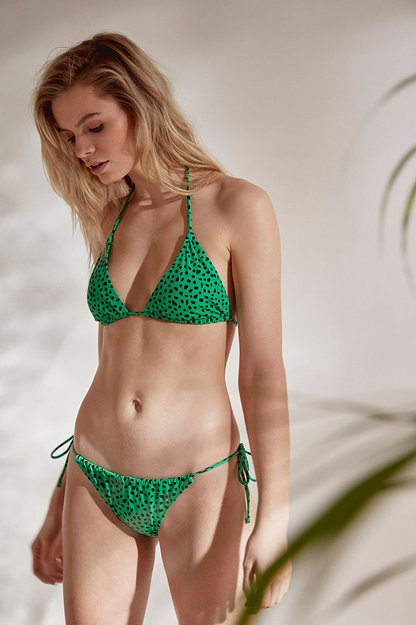 a642c4f70 Slide View  1  Out From Under Easy Printed Gathered Triangle Bikini Top